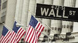 Wall St set for weak open as technology shares extend losses