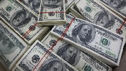 Dollar Bears on the Run as Bets Turn Positive for First Time Since Pandemic
