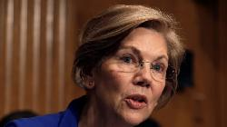 Warren Keeps Up Criticism of Powell's Stance on Bank Regulation