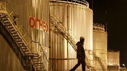 U.S. Oil Hits 2018 Highs Before Sliding on Mammoth Gasoline, Diesel Build