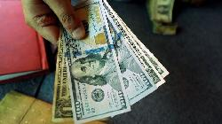 Dollar Set to Snap Losing Streak After Swagger Returns Ahead of Fed Meeting