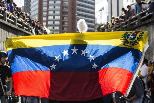 Venezuela coloca estatais alimentícias sob direção privada