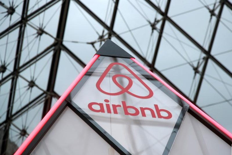 Airbnb Slides As Venice, Florence Call for Halt To Short-Term Rentals