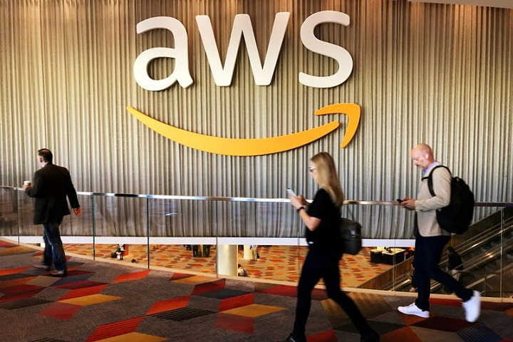 UNVR Amazon and others commit to using zero-carbon shipping fuels by 2040 By Reuters