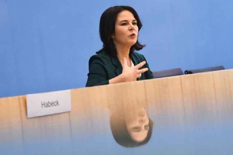 POLITIK-BLICK-TV-Debatte von Baerbock, Laschet und Scholz am 12. September