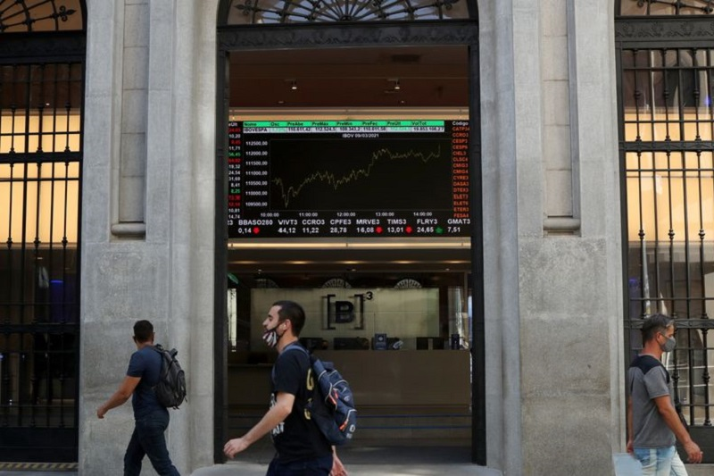 Com foco no Fed e na China, Ibovespa sobe 1,84%, aos 112.282,28 pontos