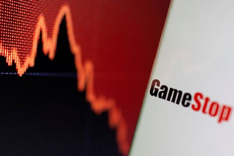 Desplome meme: Caen AMC y GameStop; la SEC 'mete mano' y Reddit estalla