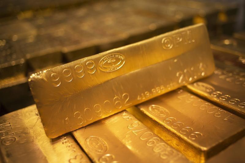 Oro vuelve a ubicarse por arriba de 1,800 dólares tras dato de inflación en EE.UU.