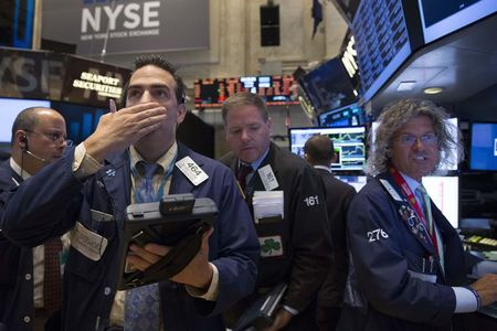 S&P 500 Shrugs off Inflation Spike as 'Don't Fight the Fed' Idea Returns