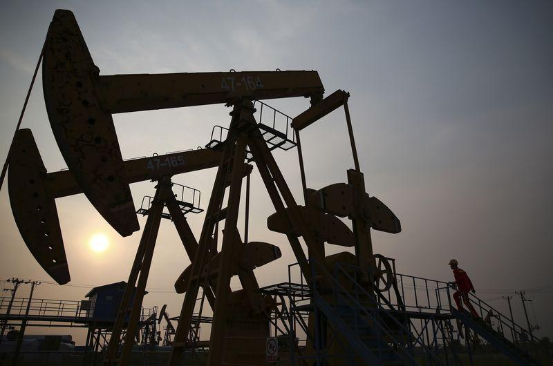 Crude Oil Falls; Traders Digest OPEC+ Disagreement