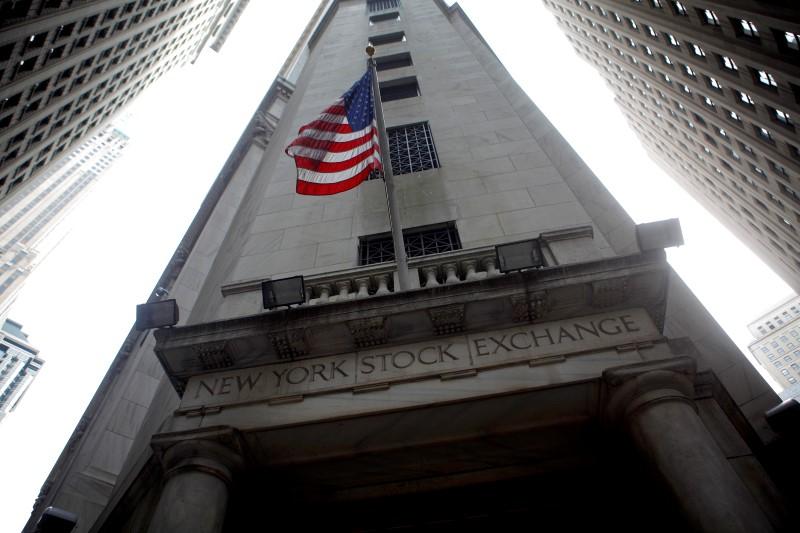 ABD piyasaları kapanışta karıştı; Dow Jones Industrial Average 0,01% değer kazandı