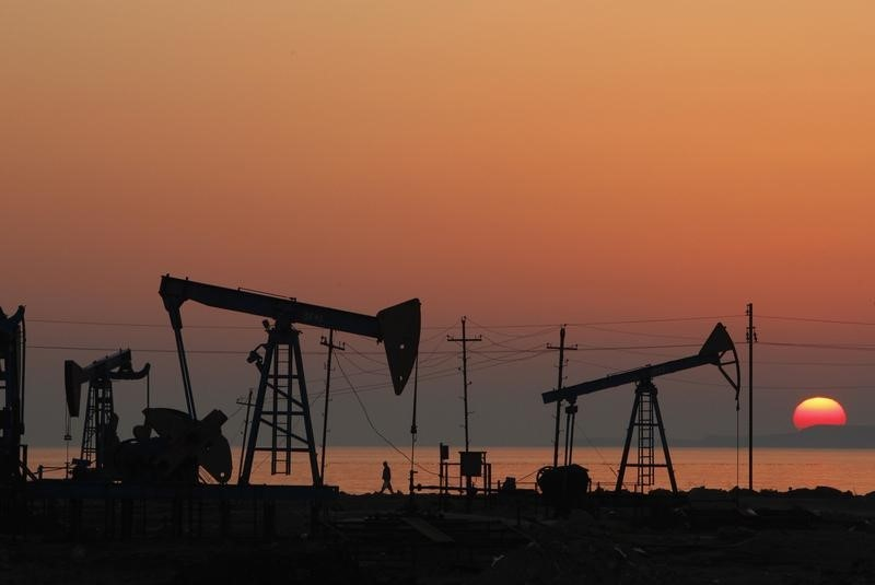 Previsioni sul prezzo del petrolio: è da comprare?