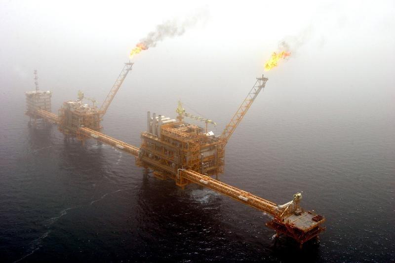 Нефть в минусе на фоне решения ОПЕК+ о наращивании добычи