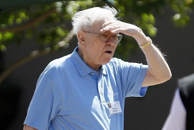 Warren Buffett redistribui a sua carteira devido a preocupações económicas