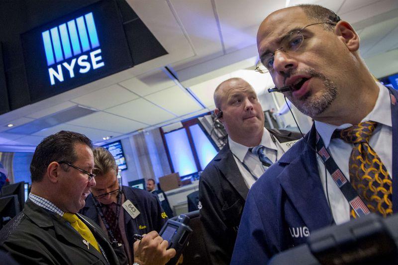 Stocks - Wall Street Stays Higher Midday