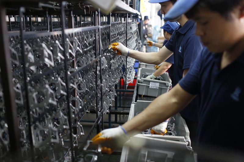 Japan's BSI manufacturing index 7.5 vs. 3.4 forecast