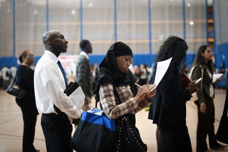 米国継続失業保険申請 予測 2,356K 対 2,304K