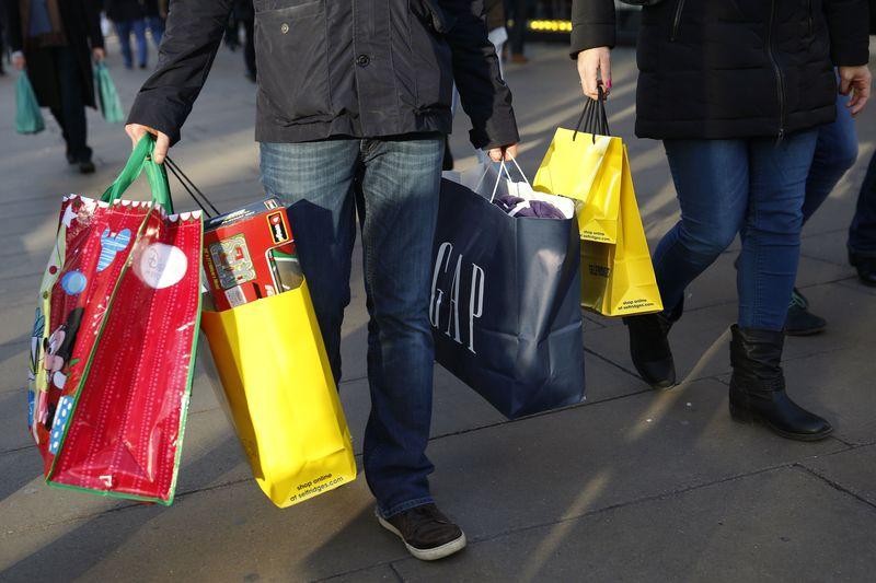 Объем чистых займов частным лицам в Великобритании превысил прогнозы экспертов