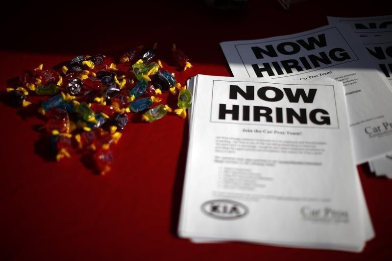 US-Arbeitsmarktbericht: Weniger Stellen als erwartet - Stundenlöhne ziehen an