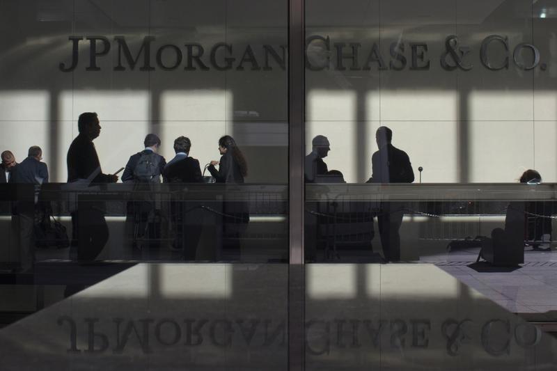 U.S. Futures Largely Flat; JPMorgan Starts Banking Earnings Season