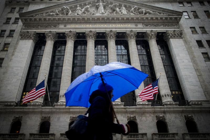 Ações - Futuros dos EUA sobem enquanto discursos do Fed apontam para corte maior