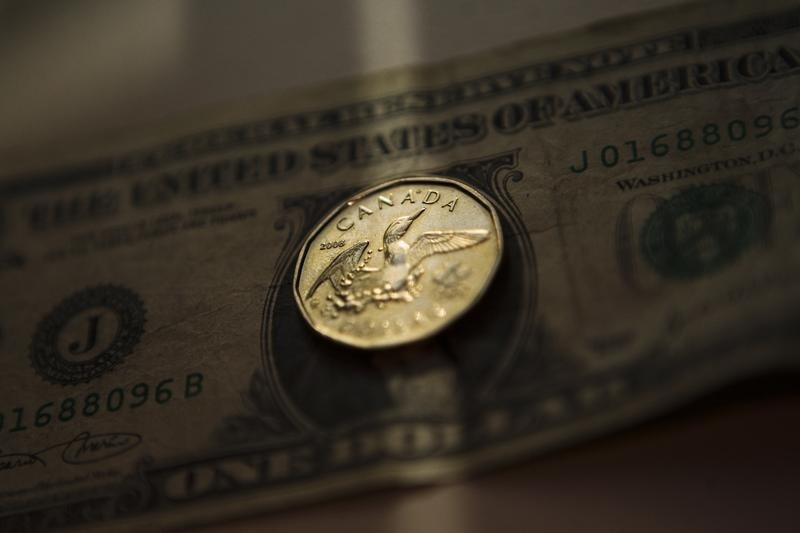 El USD/CAD, en mínimos de 6 semanas tras los datos de EE.UU. y Canadá