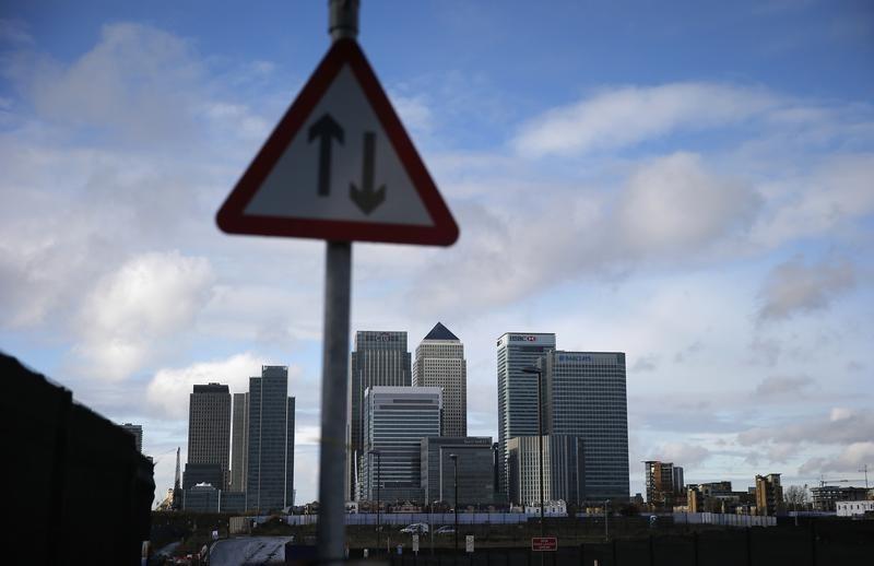 Сентябрьский индекс потребдоверия в Великобритании упал до минимума за 5 месяцев