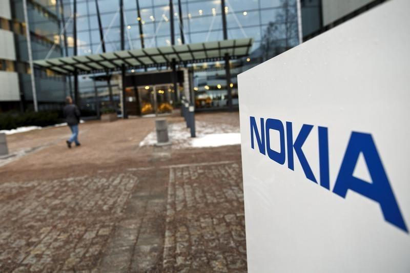StockBeat: Opportunity Knocks for Nokia's New CEO