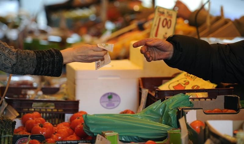 UK Annual Inflation Hits 2-Year Low amid Brexit Chaos