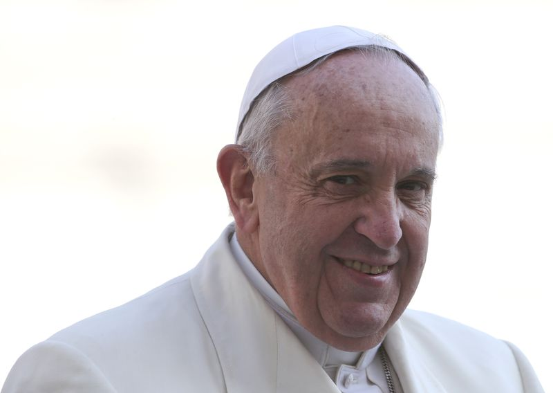 Papa pede que Hungria seja mais aberta a imigrantes necessitados