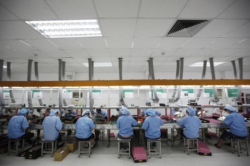PMI tháng 7 tăng, chuỗi cung ứng trong sản xuất tiếp tục bị gián đoạn. TT 2/8