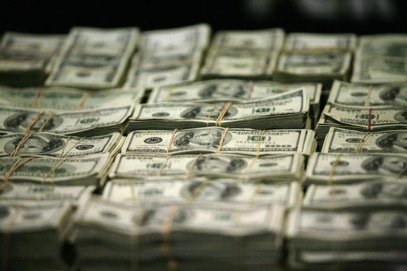 Dollar on Back Foot Ahead of ECB Meeting