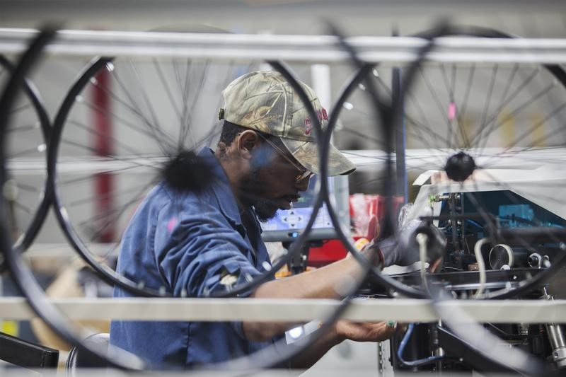 U.S. ISM manufacturing PMI falls to 6-year low in November