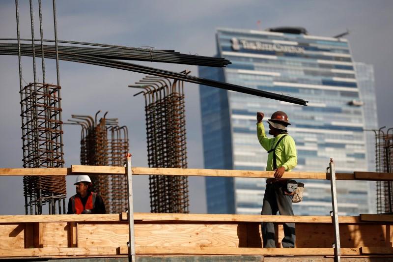U.K. construction PMI beats consensus, new order growth 11-month high