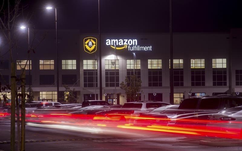 Более 1млн человек подали заявки наработу вAmazon