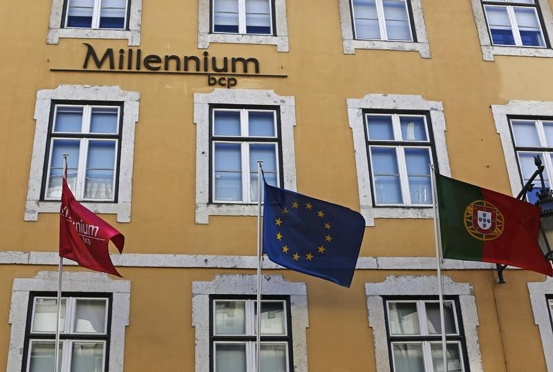 ACÇÕES PORTUGAL-PSI20 em alta com pesos-pesados, Europa perto máximos olha estímulos EUA