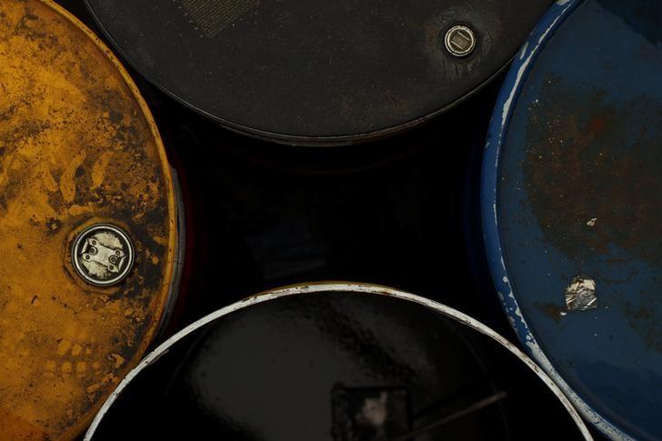U.S. Oil Inventories Fall by 7.3 Million Barrels