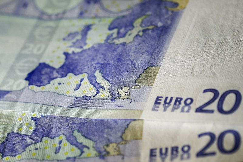 Euro Looks Ready to Fend Off Franc and Set the Tone for Summer