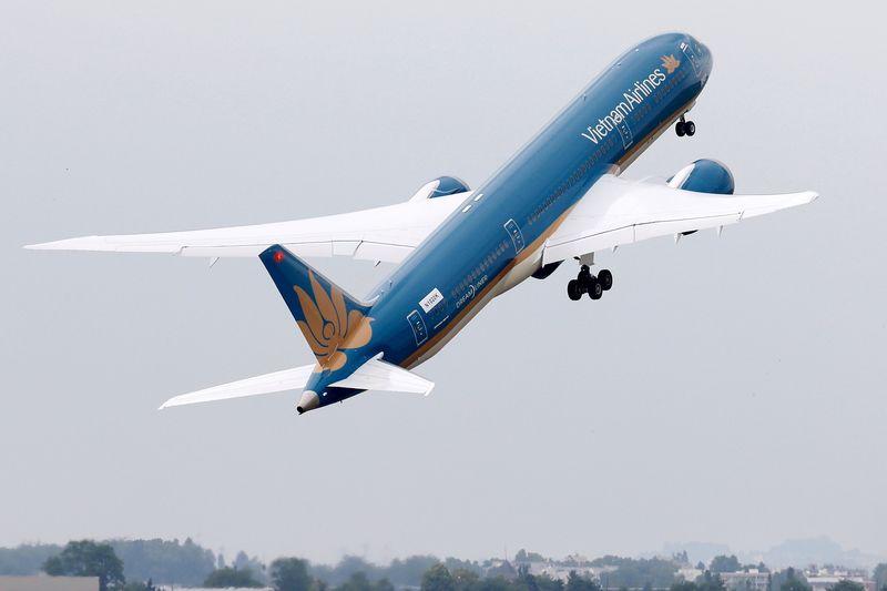 Vietnam Airlines dự kiến phát hành 800 triệu cổ phiếu giá 10.000 đồng/cp