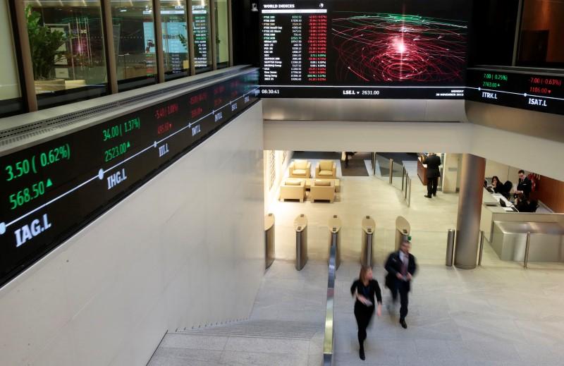 Birleşik Krallık piyasaları kapanışta yükseldi; Investing.com Birleşik Krallık 100 0,77% değer kazandı