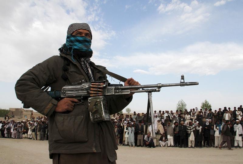 Taliban pendura corpos de supostos sequestradores em cidade no Afeganistão