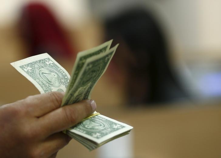 King Dollar Ends Win Streak as Countdown to 'Wildcard' Fed Meeting Begins