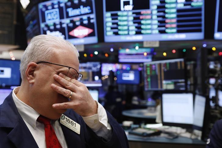 S&P 500 in Narrow Range as Energy Slump Keeps Lid on Reopening-Led Gains