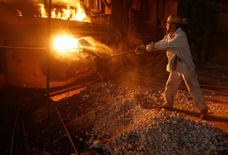 ArcelorMittal Boosts Steel Outlook as Profit Beats Estimates