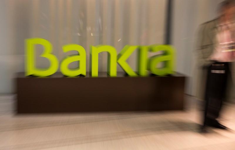 Los accionistas de Bankia piden devolución gastos hipotecas y no pagar fusión