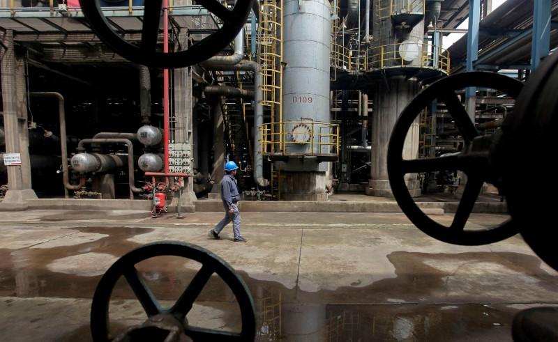 Brent Oil Steadies Near 8-Week Low After Market Selloff on Delta