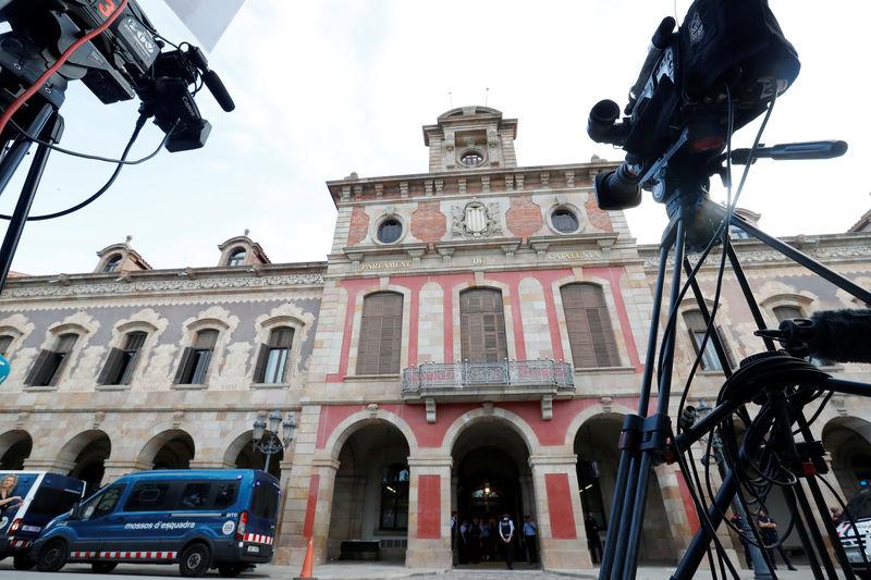 La Bolsa española salva la semana pese al descenso de las eléctricas