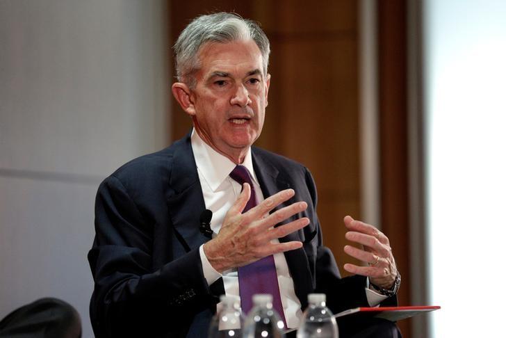 Dollar Remains Sluggish as Fed's Powell Sticks to Script