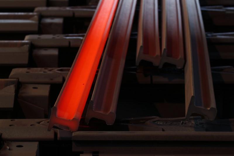 Futuros do minério de ferro despencam mais de 6% com temor de guerra comercial
