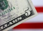 Dollar Marooned at One-Month Low Ahead of Payrolls